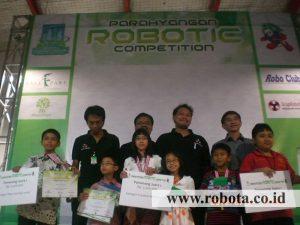 Juara 1 Lomba Robot Parahyangan Robotic Competition